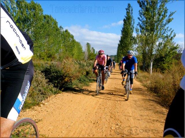 Bicis de carretera por el Canal de Castilla