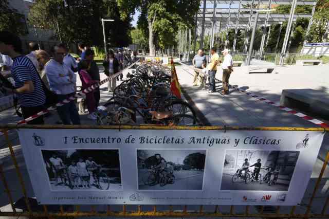 Bicis de epoca en las fiestas patronales de Palencia
