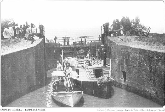 Barcaza en Olmos de Pisuerga. Canal de Castilla